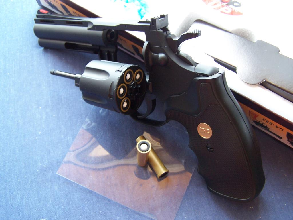 federdruck python 357 revolver hadley b jones. Black Bedroom Furniture Sets. Home Design Ideas